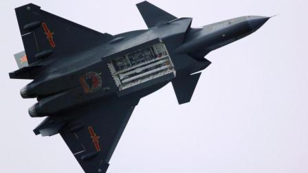 国产最强战机歼20击败美国最强战机F22, 画面被曝光!
