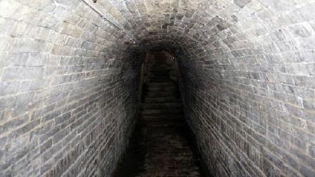 真正的曹操墓被找到, 专家开棺后, 被棺里的悲惨景象呆住了!
