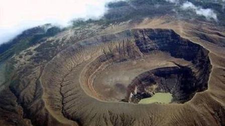 科学家们试图挖穿地球, 突然停工了! 因地下似乎传来千万人的哀嚎