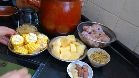 广东人这样煲玉米猪骨汤, 简单方便, 鲜甜好喝, 这个季节喝最好不过!