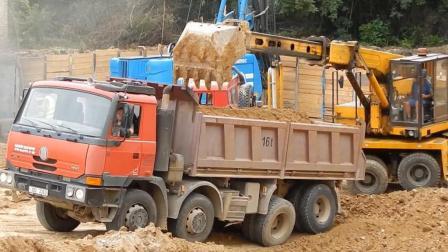 捷克特有的直臂式挖掘机, 给自卸车装土的动作有点别扭