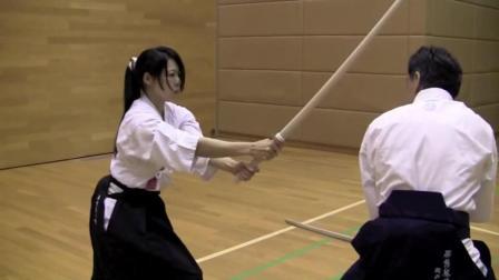 """美女剑术大师示范""""天心流剑术"""", 这才是最实用的剑术"""