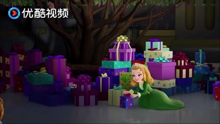 苏菲亚:过节啦!公主和王子有拆不完的小礼物,想想就激动!