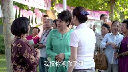 母亲公园相亲角替大龄女儿征婚,却遭白眼对待,母亲这样霸气回应