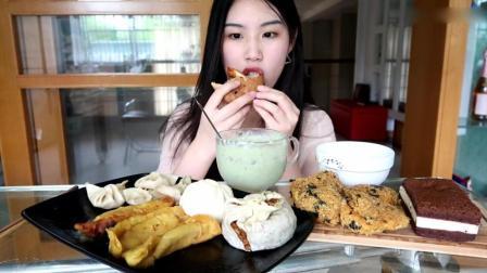 吃播鲍师傅肉松小贝, 一些南京特色美食