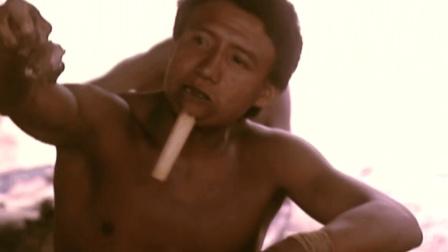 地球上唯一现存的原始部落, 一辈子不穿衣服, 成人礼用木棍刺穿下巴
