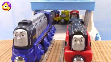 托马斯小火车参加运动会啦, 比比看谁跑的更快呢