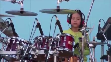 12岁漂亮小女孩帅气架子鼓表演