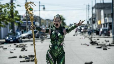 反派女王战士不死不灭, 等待着统治世界! 一部动作科幻电影