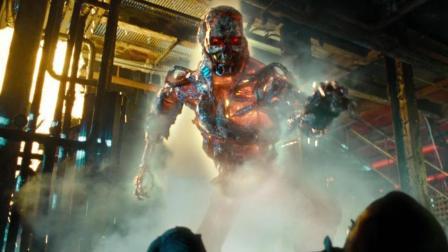 男子被恐怖恶魔追杀, 用铁水浇灌都无法逃脱! 速看科幻电影《终结者2018》