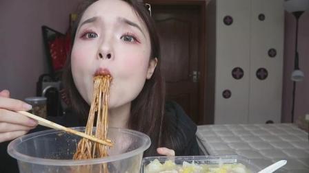 上海吃播……吃花生酱拌混沌, 拌炸酱面和三道菜, 看着馋死人了