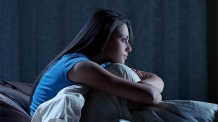 失眠1晚老10岁! 睡前多揉揉这个穴位, 轻松摆脱失眠不烦恼