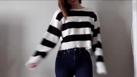 宽松黑白条纹毛衣搭配牛仔裤, 可爱美女浪漫迷人!
