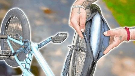 夏天太热老外用冰棍代替自行车轮胎? 刚抬起把手这场面老外笑翻了