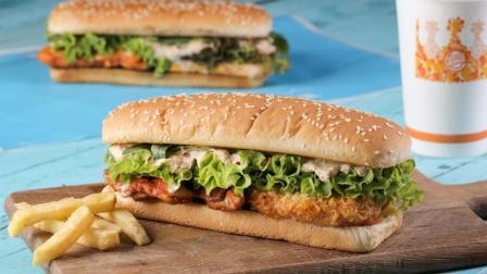 鲜虾、鸡腿肉、金枪鱼......这个长达19cm的汉堡有点厉害!