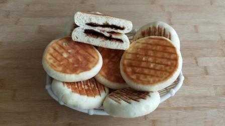 红糖面包饼: 两个鸡蛋一碗面, 做出酥绵香甜发面饼, 比面包都好吃