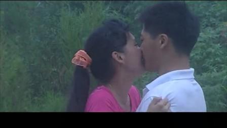 5乡村爱情:谢永强大学没白上,表演不了唱歌但能表演接吻