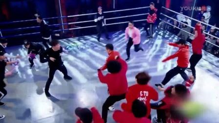这就是街舞:易烊千玺亲自登台跳舞,几个动作,赢得台下掌声一片