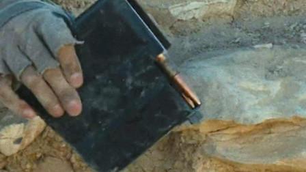 巴雷特的狙击子弹竟然这么大,感觉可以打穿坦克了