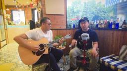 烈日炎炎的午后, 咖啡馆里吹着空调唱个歌……