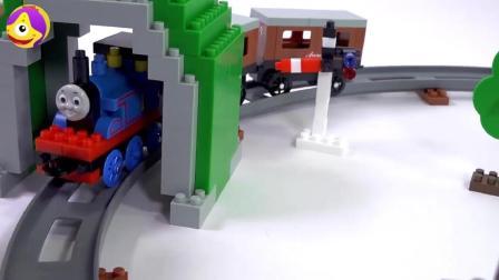 托马斯小火车进站玩具, 乐高儿童益智火车站玩具, 宝宝益智积木