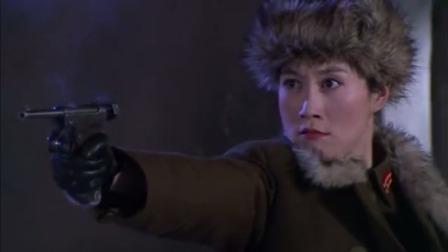 女兵连对战鬼子,用毛瑟手枪对抗鬼子的三八大盖,帅气!