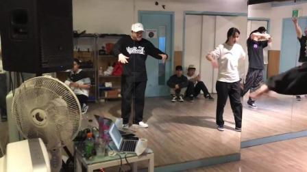 popping大神-街舞冠军-Hoan & Salah  Play Mu