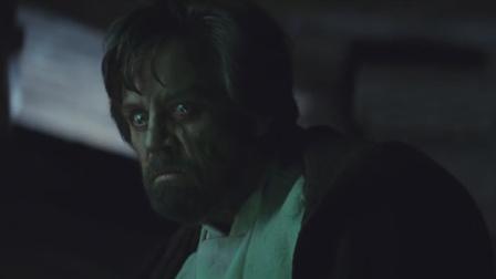 星球大战:蕾伊质问凯洛伦,凯洛伦苦笑回答父亲欲杀自己!