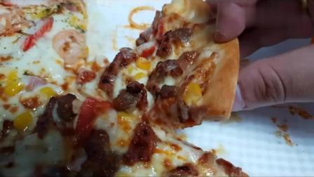 韩国吃货胖哥, 吃虾烤肉披萨、炸虾、烤香肠、芝士意大利面