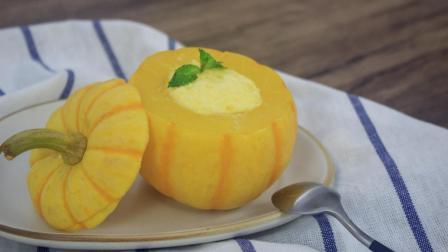 蒸蛋羹一定要用碗吗? 当然不啦, 这里是可爱又美味的小南瓜蒸蛋。