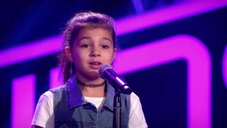 9岁小女孩演唱火星哥的热单, 没想到一开口全场掌声沸腾!