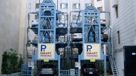 韩国人发明的停车系统, 2个车位就能停15辆, 咋做到的?