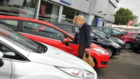 去4S店买车, 怎样可以拿到最低价? 看老司机怎么说