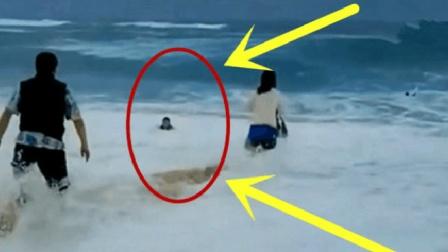 小男孩在海中挣扎, 父母狂奔而去, 一切还来得及吗?