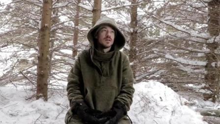 冬季生存! 在一场巨大的暴风雪中体验荒野生存