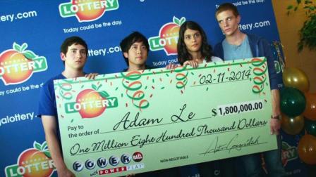 高中生买彩票中1000万大奖, 可他们却高兴不起来! 速看科幻电影《年鉴计划》