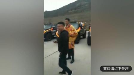 原来藏族同胞才是真正的土豪, 组团买乔治巴顿, 看傻了!
