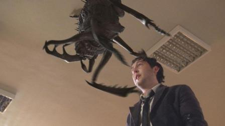 变异大甲虫身高2米, 在美国大肆破坏, 被传染的人均变成八脚怪!