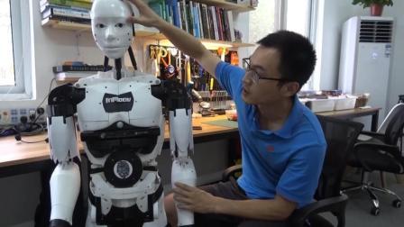 """高手在民间! 油田工自己编程做机器人, 3d打印机器版""""阿甘"""""""