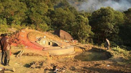 历史悠久的神秘小村庄, 著名的风水宝地, 难道就是因为这个大洞?