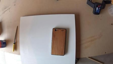 如何用木皮和裁纸刀制作一个木制手机壳