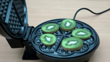 电饼铛都快被玩坏了! 压各种东西, 看完你还想吃饭吗?