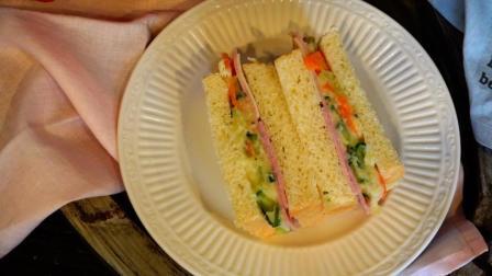我的日常料理 第一季 2分钟教你制作一款在日本非常流行的土豆沙拉三明治