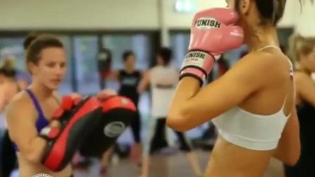练拳的女子果然有一种不一样的气质!