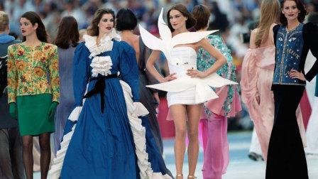 戏说Runway| 世界杯快结束了,养眼的不仅有男模队,还有女模队!