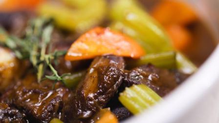 法国大厨教你做正宗红酒炖牛肉,在家就能做,招待客人倍有面子!