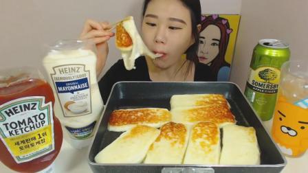 韩国大胃王卡妹, 吃一锅烤芝士, 爱吃芝士的看过来