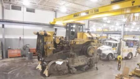 国外老板翻新104吨经典卡特推土机, 他这情怀得花不少钱啊!