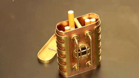 外国小伙用金属打造了个烟盒, 这样的成品想买也买不到