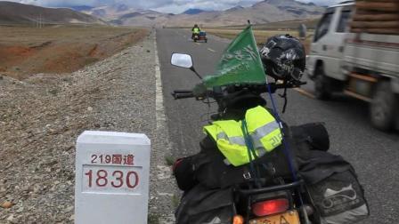 还有1830公里骑行完新藏线, 到达新疆叶城, 摩友们加油!